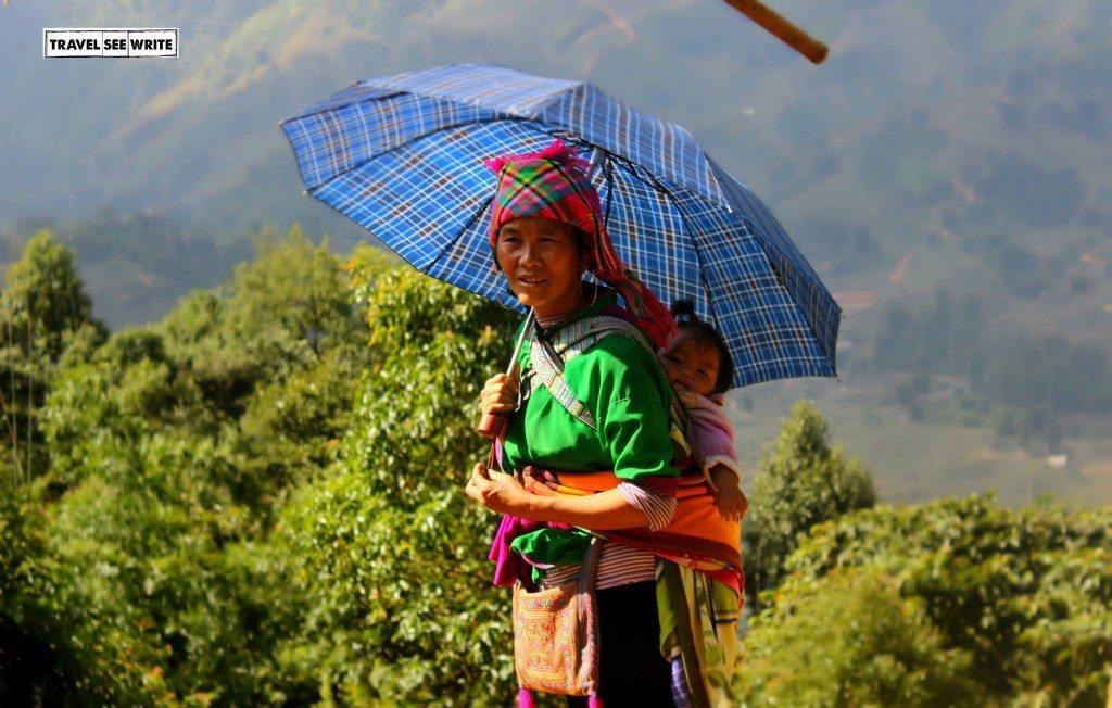 Hmong Tribe Woman with kid, Sapa, Vietnam