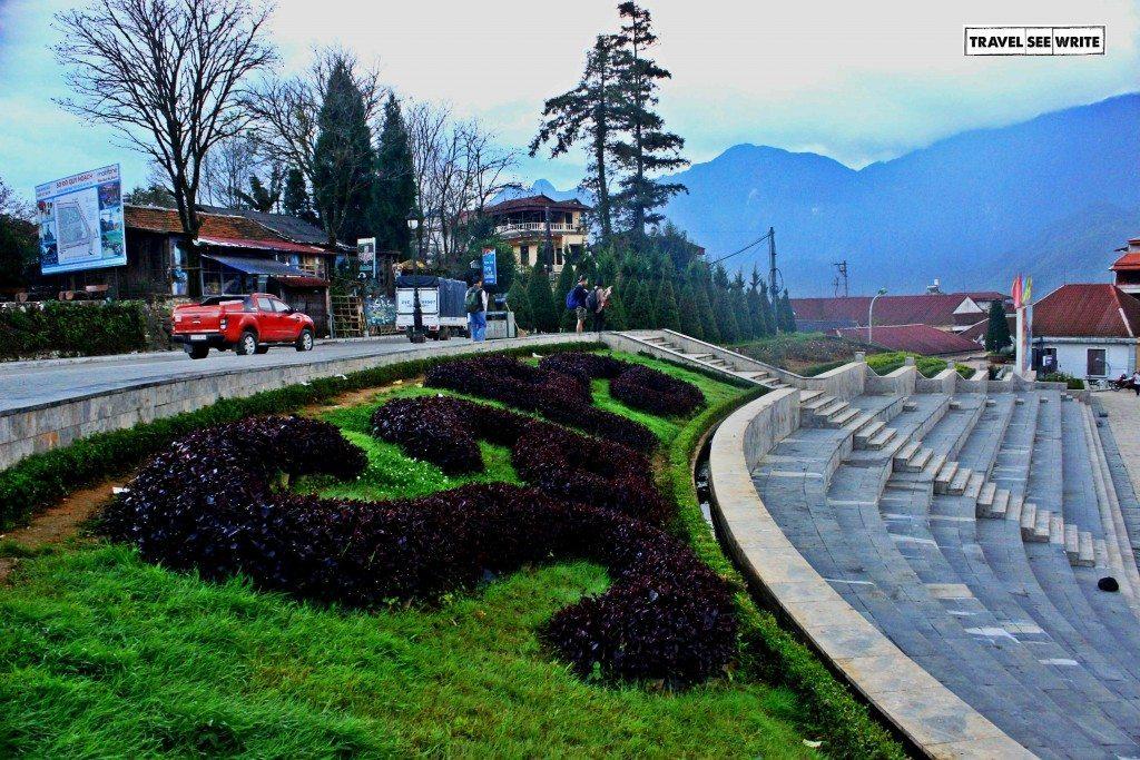 Visit Vietnam: Visit Sapa Town Plaza