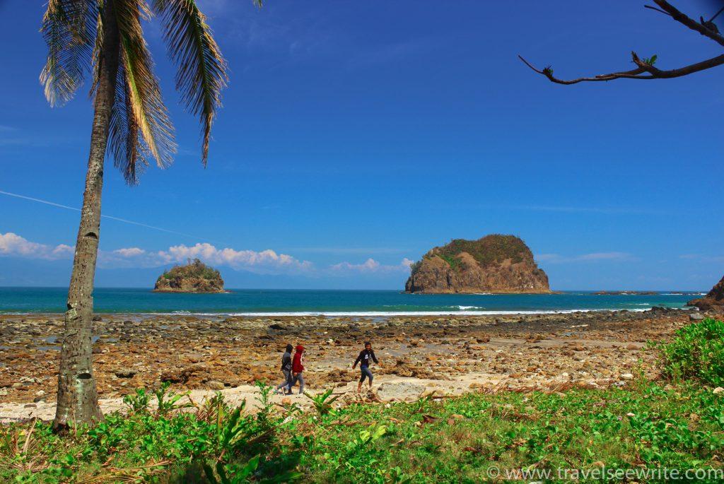 Dicasalarian Cove Beach