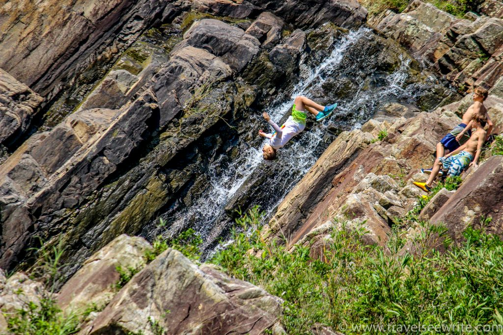 Exploring offbeat hong Kong in 4 days: Cliff jumping point at Sai Kung Park