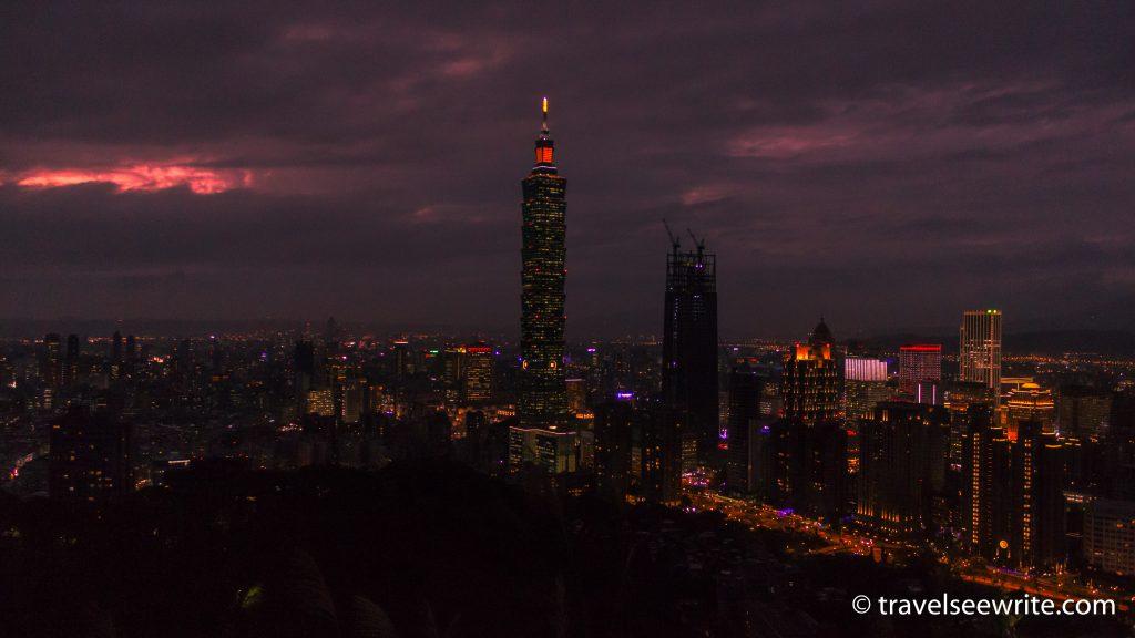 The landmark Taipei 101 skyline at sunset seen from the Elephant Mountain, Taipei, Taiwan