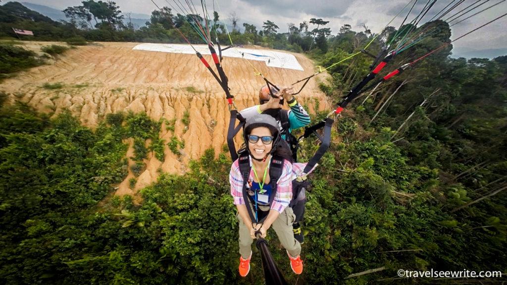 Paragliding at Bukit Batu Pahat, Selangor, Malaysia