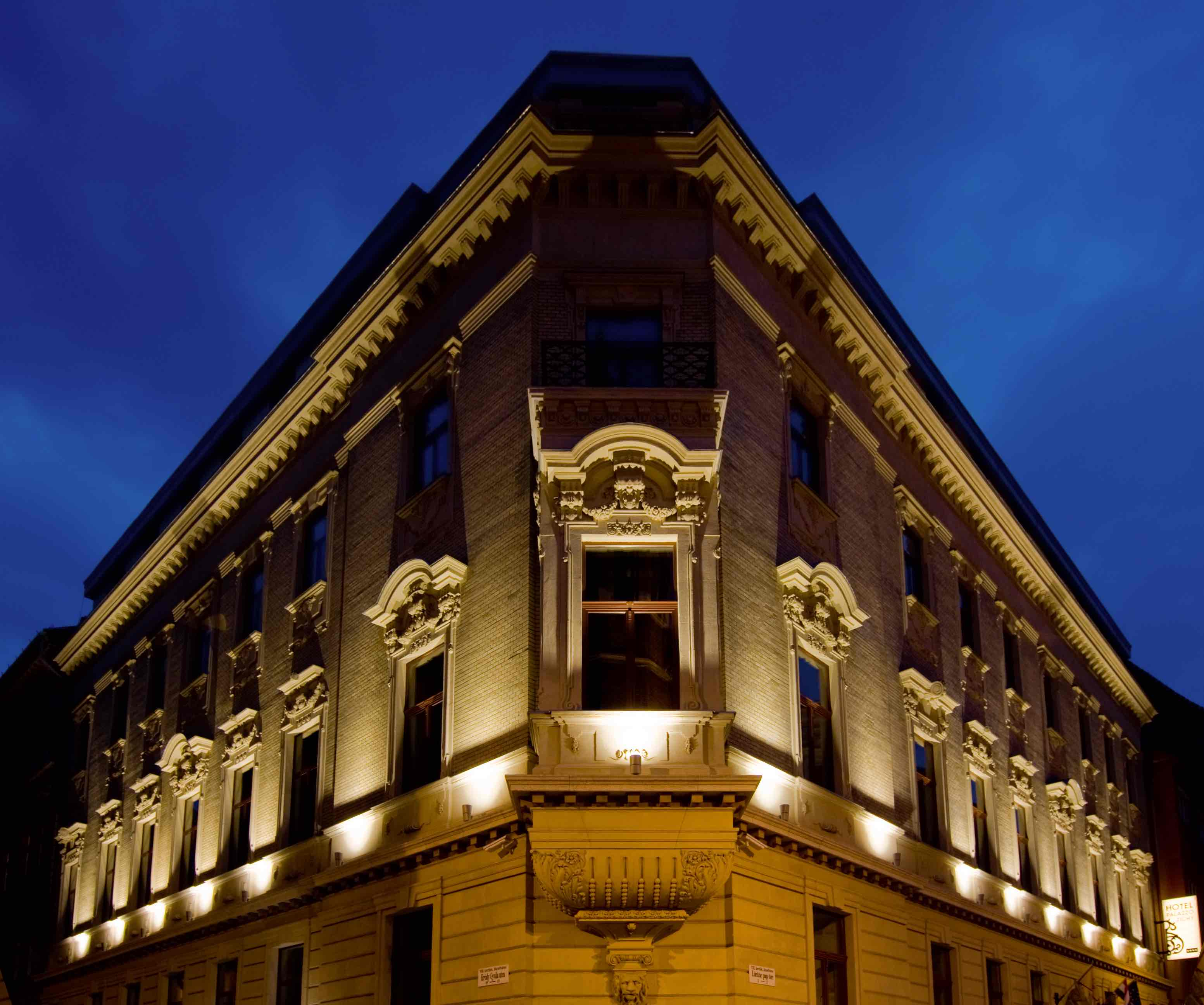 Review is palazzo zichy one of the best hotels in for Top design hotels budapest