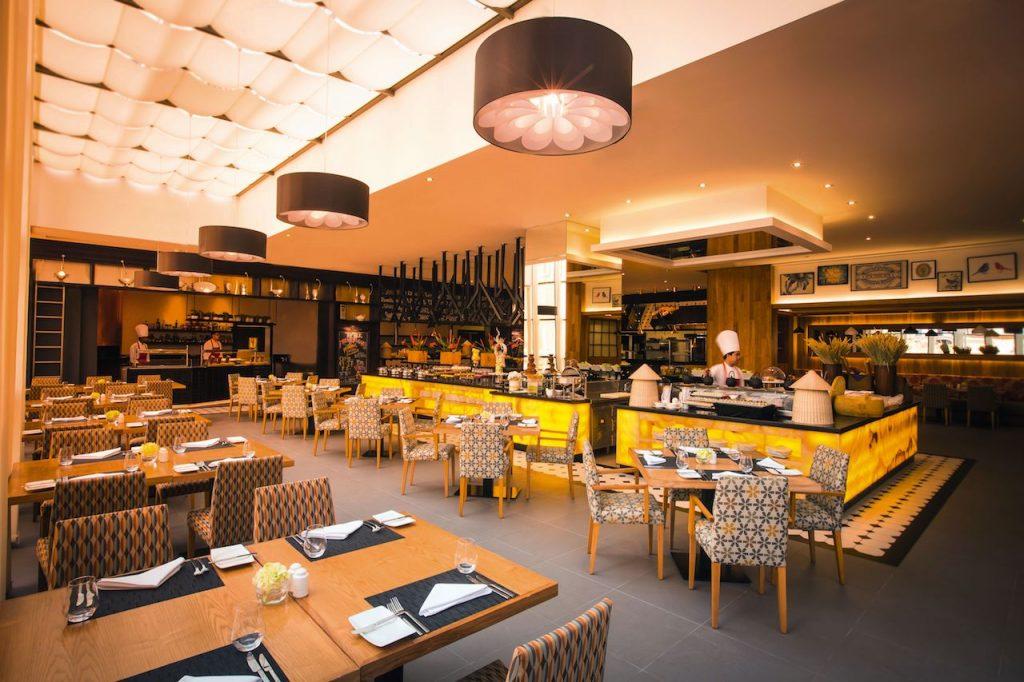 The Talk, Mövenpick Hotel Jumeirah Beach, Dubai