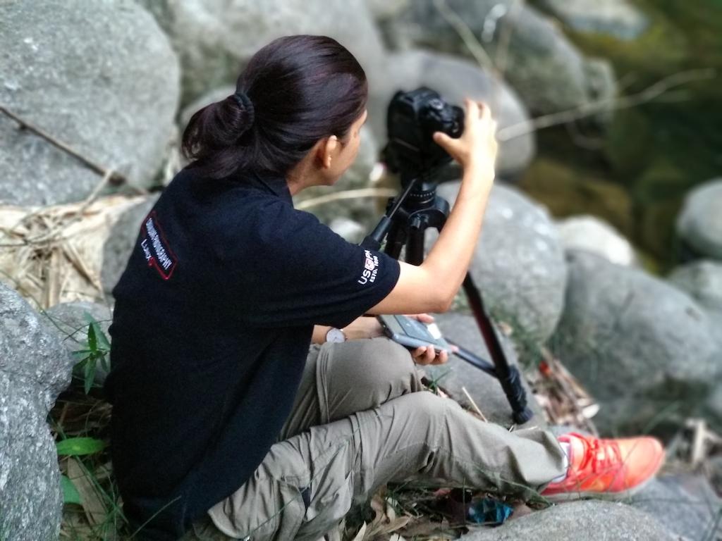 Archana Singh at Bir-Billing trying Panasonic Lumix Cameras