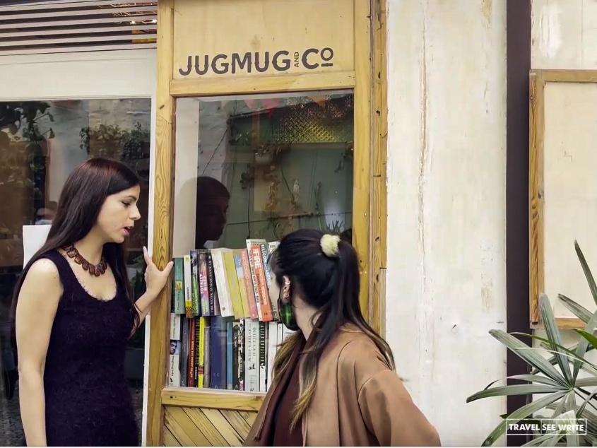 Jugmug Thela, a pop-up artisanal tea and coffee shop on a thela